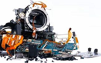 összetört kamera